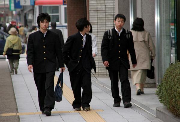 и снова школьная форма Японии